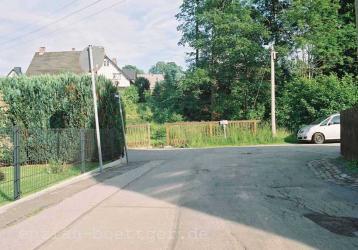 Anfahrt Garten: Parkplatz am Bach (Anger/Wiesenweg/Lindengasse)